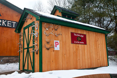 Singleton's Opening Quechee VT March 1, 2013 Copyright ©2013 Nancy Nutile-McMenemy www.photosbynanci.com For The Vermont Standard: http://www.thevermontstandard.com/ Image Galleries: http://thevermontstandard.smugmug.com/