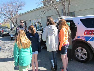IMG_2428-Officer Palmer with students