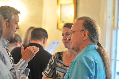 Arturo Delmoni (right) Talks with voulenteer2 2