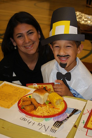 2013-11-22 Kindergarten Thanksgiving Feast