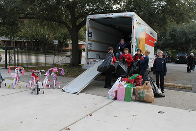 2013-12-10 Advent Angel Gifts Loading for Delivery