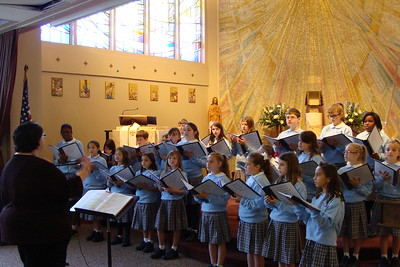 2013-12-13 Chateau de Notre Dame Choir Performance