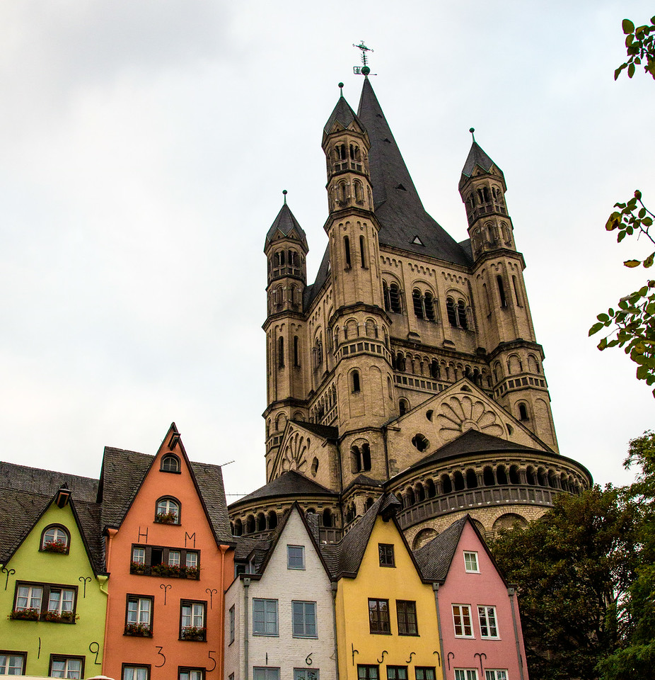 Contrasts in Cologne