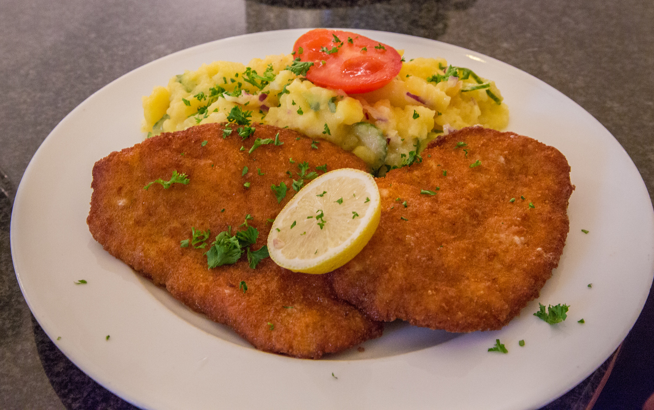 Schnitzel and potatoes