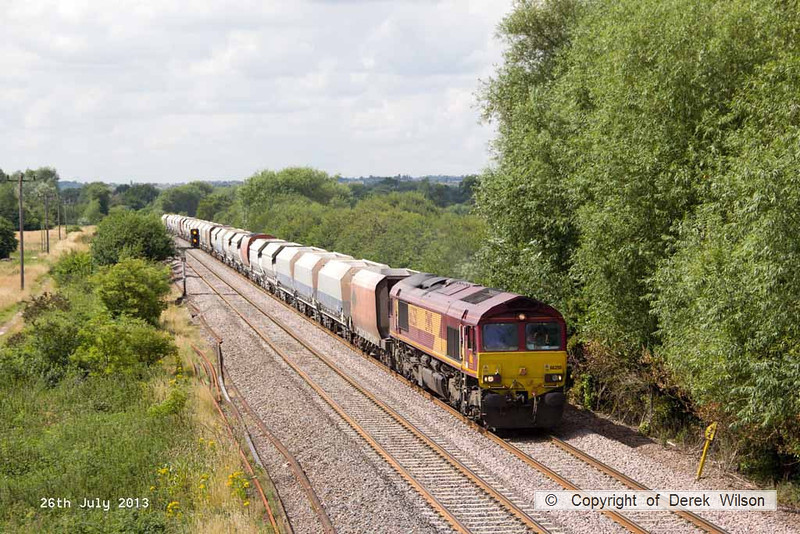 130726-026     The 'top of the shop', DB Schenker class 66/0 no 66250 approaches Willington, powering train 6M11, 10.00 Washwood Heath RMC to Peak Forest, Cemex sidings, empty aggregates hoppers.