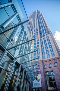 tall highrise buildings in uptown charlotte near blumenthal performing art center