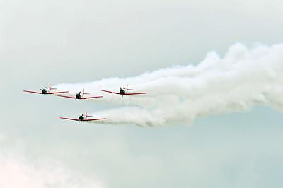 airplanes at airshow