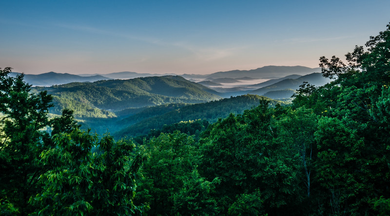 beautiful mountain scenery in north carolina