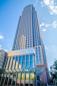 tall highrise buildings in uptown charlotte near blumental performing art center