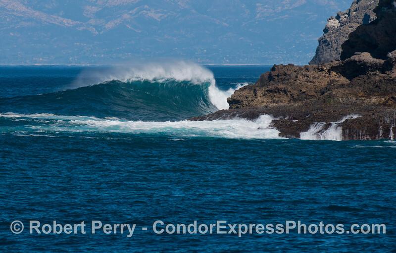 big waves Fraser Point 2013 01-21 Sta Cruz Island-007