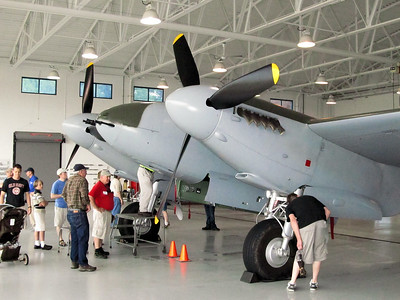 2013-05-Warbirds-VA-Beach-De-Havilland-Mosquito
