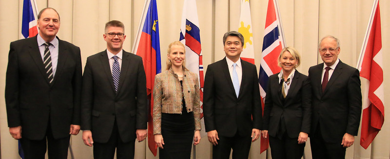 From left: Mr Kristinn F. Árnason, Secretary-General, EFTA;   Mr Gunnar Bragi Sveinsson, Minister for Foreign Affairs and External Trade, Iceland; Ms Aurelia Frick, Minister of Foreign Affairs, Liechtenstein (Chair); Mr Adrian S. Christobal Jr, Undersecretary for Industry Development and Trade Policy, Philippines; Ms Monica Mæland, Minister of Trade and Industry, Norway; and Mr Johann N. Schneider-Ammann, Federal Councillor, Head of the Federal Department of Economic Affairs, Education and Research, Switzerland;