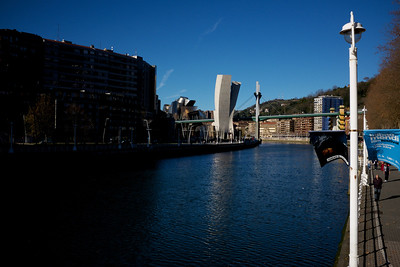 The Bilbao Guggenheim appears on the bend!