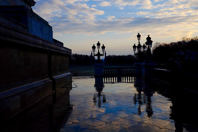 Morning light on the water of Monument aux Girondins in Bordeaux