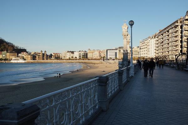 Promenade of the La Concha Bay and the beach of San Sebastian
