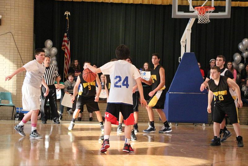 Dayton Goya Basketball 2013 (640).jpg