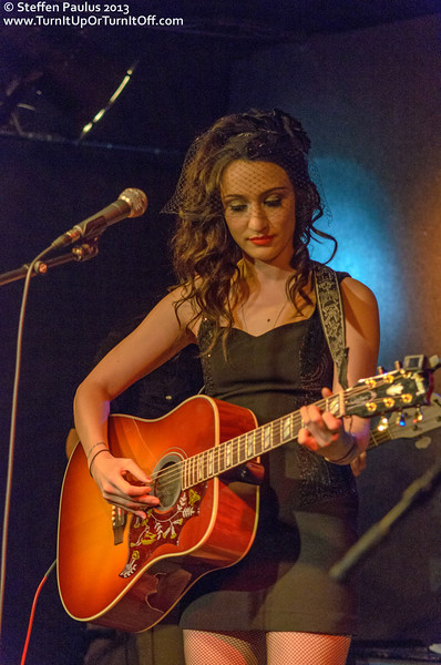 Lindi Ortega @ Rivoli, Toronto, ON, 24-Jan 2013