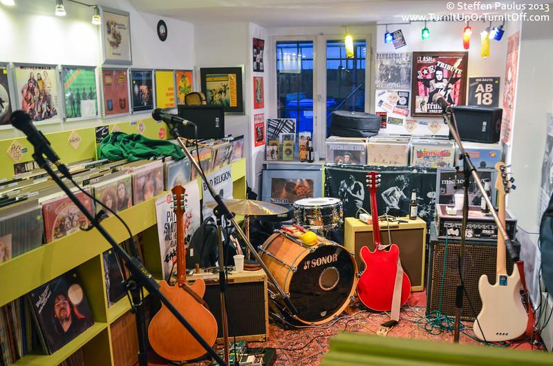 Rich Hopkins & Luminarios @ Rock Steady Records, Berlin, Germany, 15-Apr 2013