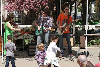 2013.05.04 Spring Fling at the Old Stone House & JJ Byrne Playground
