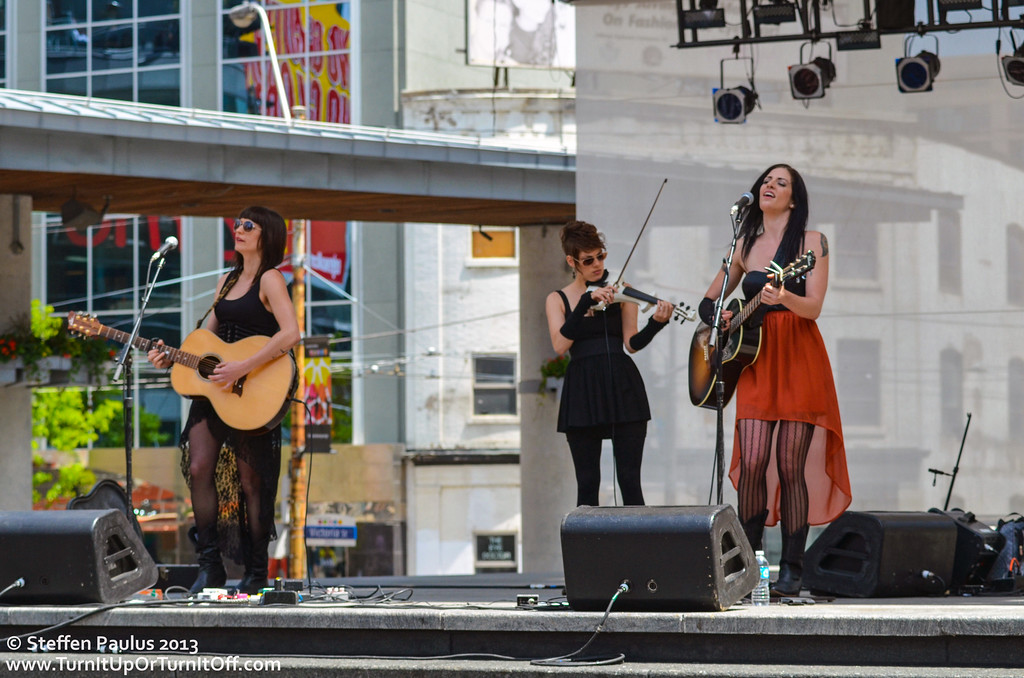 Scarlett Jane @ Yonge-Dundas Square, 27-May 2013
