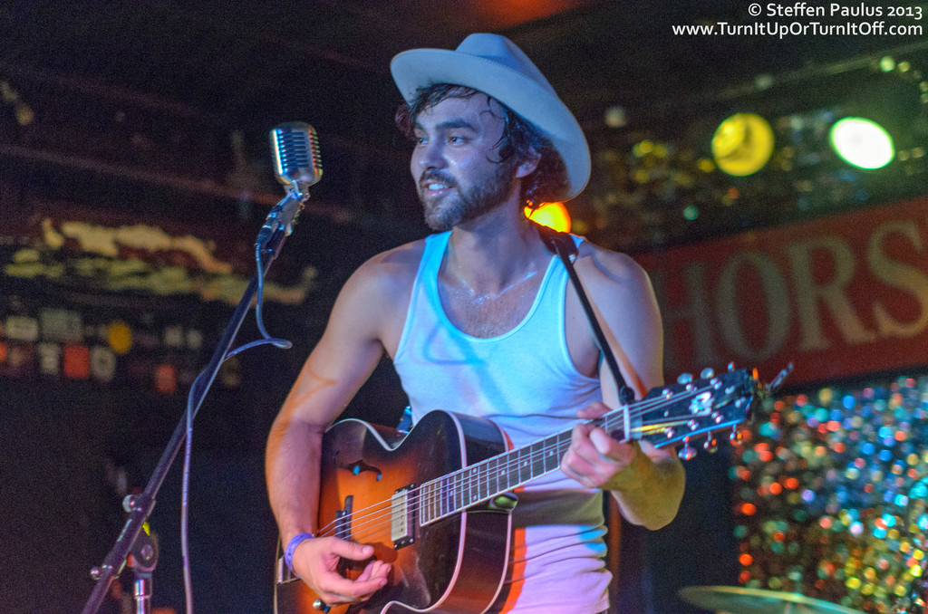 Shakey Graves @ Horseshoe Tavern, 7-July 2013