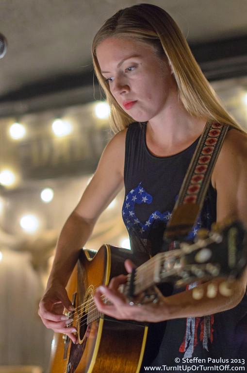 Belle Starr @ Dakota Tavern, Toronto, ON, 11-Oct 2013