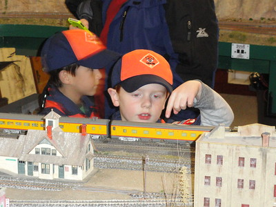 20131118 - Tiger Cubs Visit Railroad Modelers