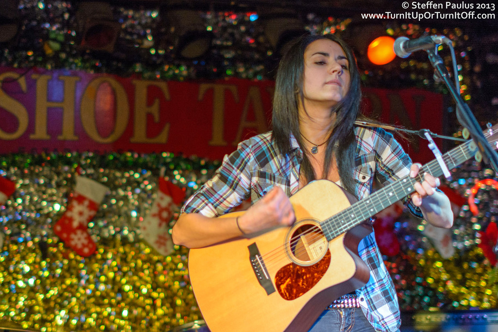 Jenn Fiorentino @ Horseshoe Tavern, Toronto, ON, 5-Nov 2013