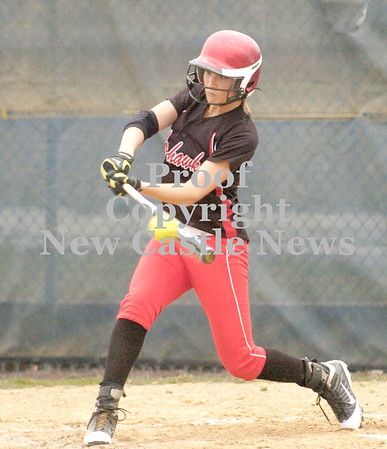 Erica Galvin/NEWS<br /> Mohawk's Shelby Brown hits a three-run double in the fourth inning.