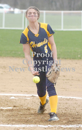 Erica Galvin/NEWS<br /> Wilmington's Abby Sotter pitches to an awaiting batter.