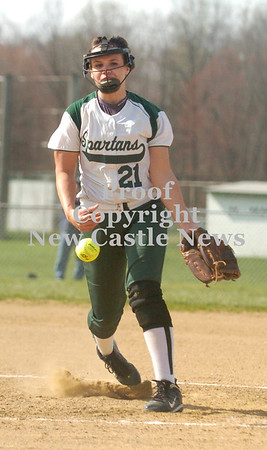 Erica Galvin/NEWS<br /> MaKenna Natale delivers a pitch in the second inning.