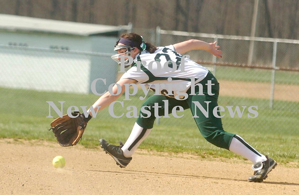Erica Galvin/NEWS<br /> Rachael Baker goes after a ground ball in the second inning against Riverside.