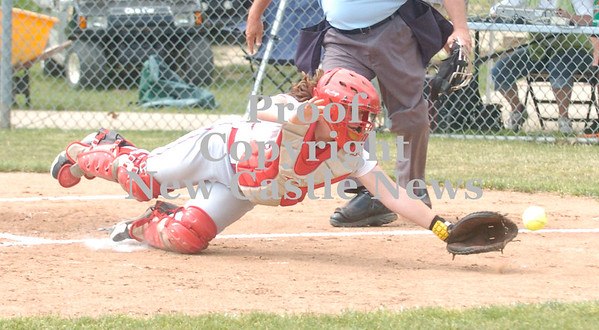 Erica Galvin/NEWS<br /> Missy Kirkwood dives for a foul ball.