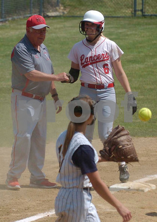 Erica Galvin/NEWS<br /> Neshannock head coach Tracy Kimmel gives a high five to Madison Shaffer after hitting a two-run triple in the second inning.