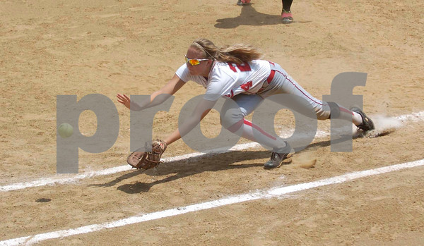 Erica Galvin/NEWS<br /> Alexandra Fischer dives to make a catch in foul territory in the sixth inning.