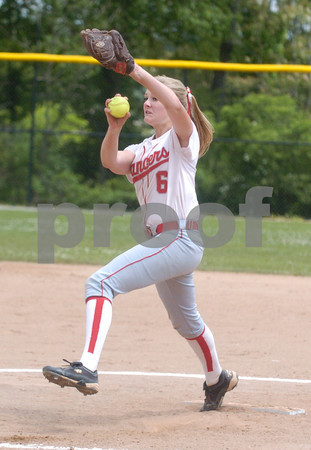 Erica Galvin/NEWS<br /> Madison Shaffer delivers a pitch in the fourth inning.