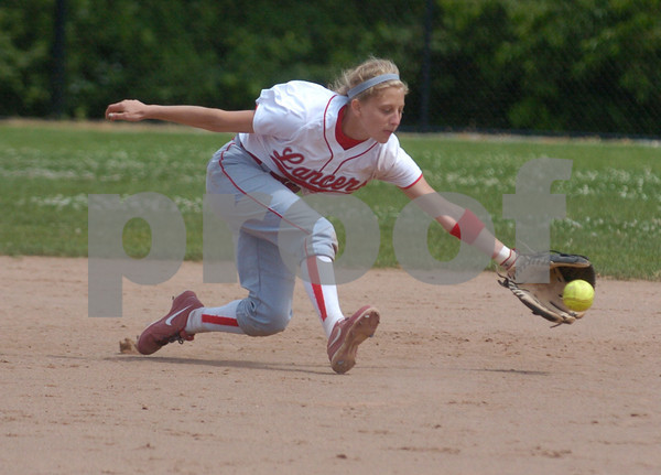 Erica Galvin/NEWS<br /> Jamie Graziani fields a hit in the fifth inning.