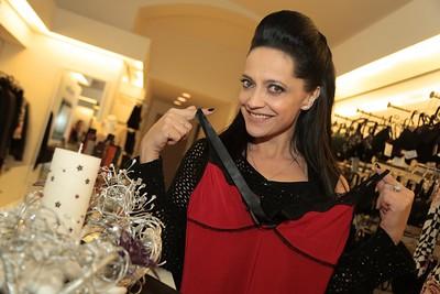 2013-11-22 Anezka NoGup slavik Theatro - Lucie Bila