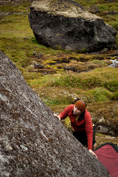 Tracy looks ahead for features of any kind, working through the first moves of a tough slab.