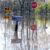 MET042213floods signs