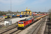 25 April 2013 :: A fortunate signal check enabled me get a second go at 6V41 with 60059 at Millbrook passing 70007 which was convienently waiting in the Freightliner sidings