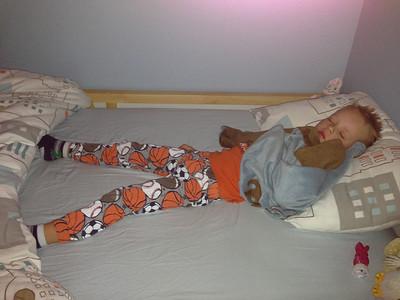 No one can sleep like Connor can sleep