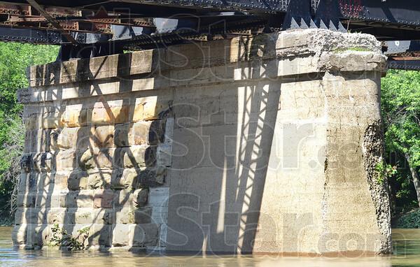 MET061b13 wabash trestle
