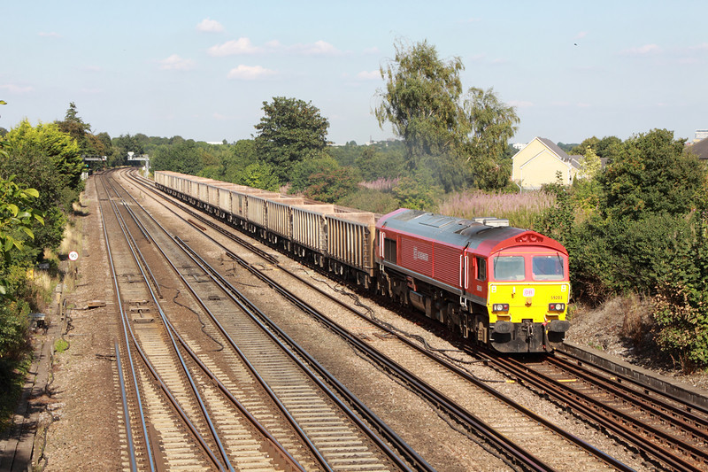 28 August 2013 :: 59203 at Worting working empty stone boxes from Woking to Merehead, 6V12