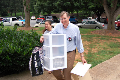 Parents moving in students for Orientation 2013.