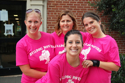 Bulldog Movers stop to pose before getting back to helping students move in for Orientation 2013.