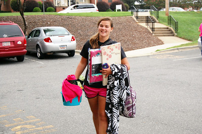 Student moving in for Orientation 2013.