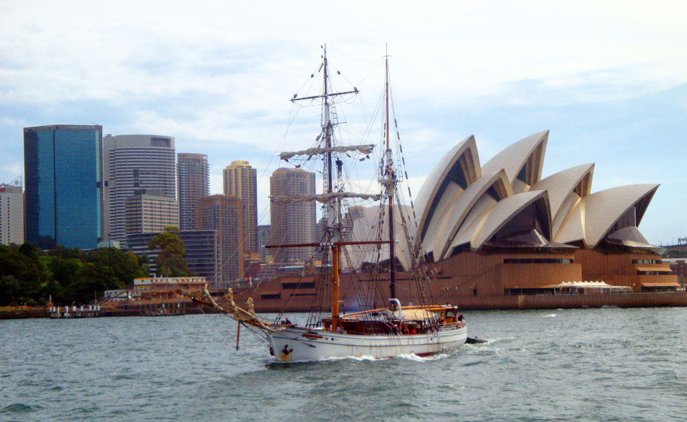 Opera House with ship