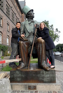 cad4  csw4 rc4Hans Christian Andersen statue, Town Square, Copenhagen, Denmark