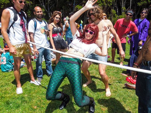 She's not gunna make it. Spread those legs Lillian!